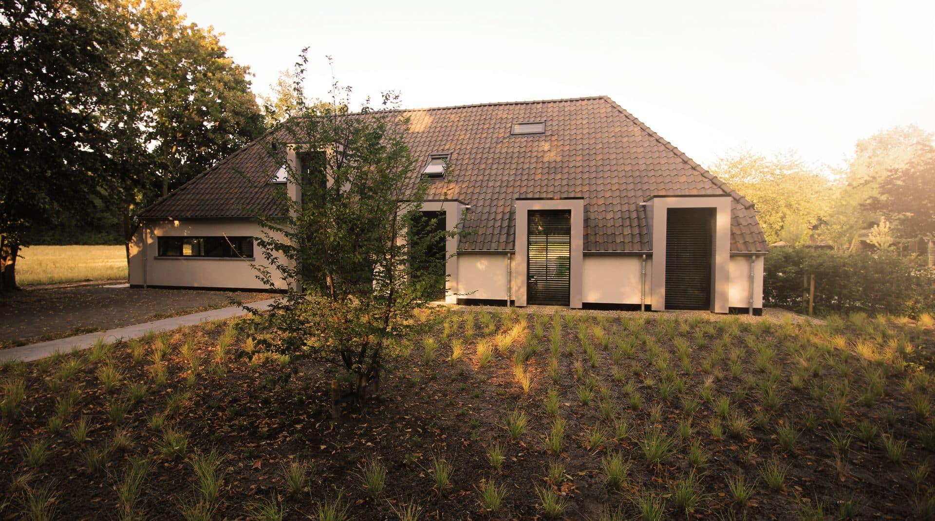 tuinontwerp voortuin natuurlijke tuin in Rucphen Jeroen Hamers