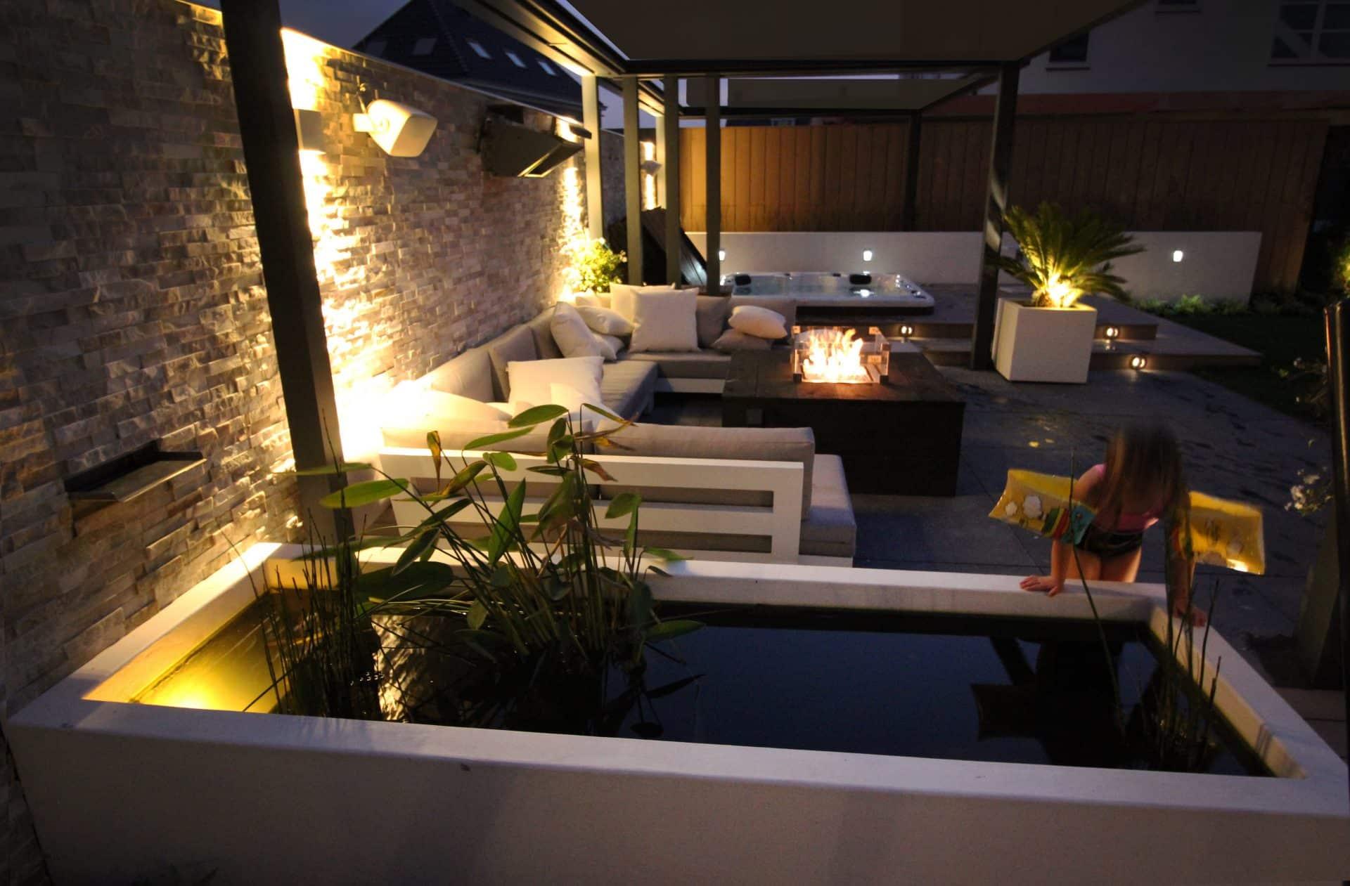 tuinontwerp Den Haag met jacuzzi en overdekt terras Jeroen Hamers